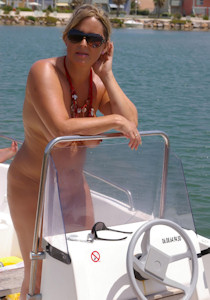 1_nude_on_a_boat_03