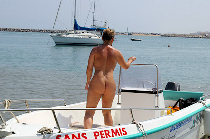 naked wife in bass boat