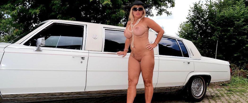 naked car
