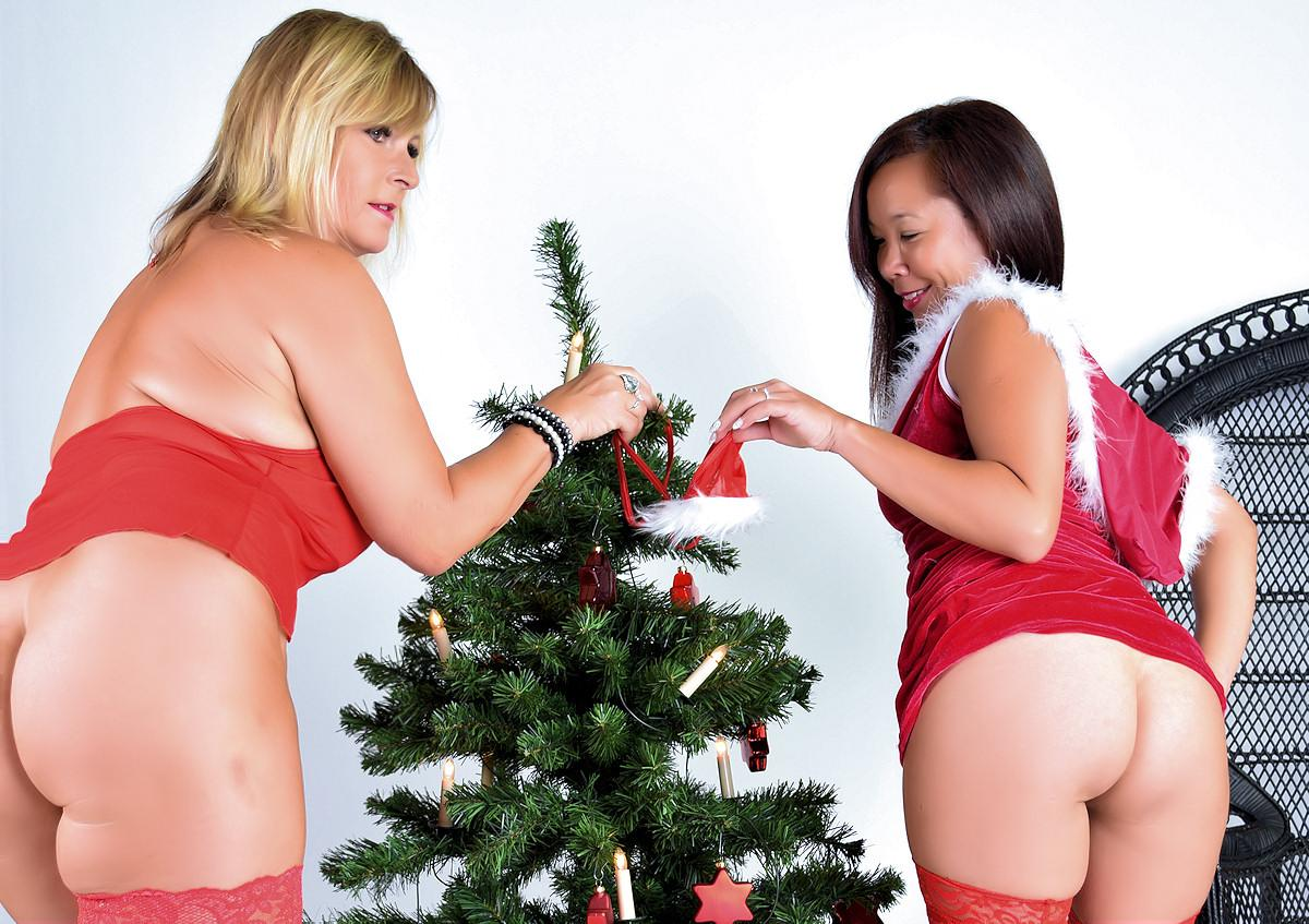 naked christmas Archives - NudeChrissy Blog - I am an always nude ...