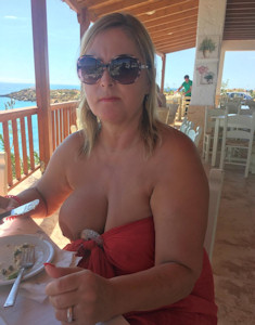 nude in crete