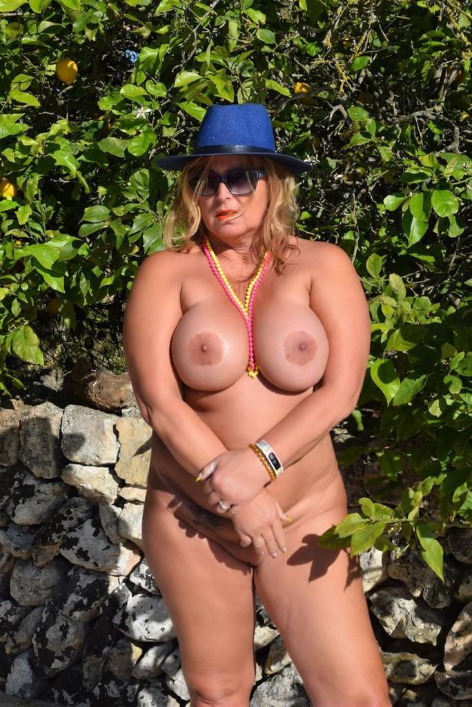 nude posing at the finca