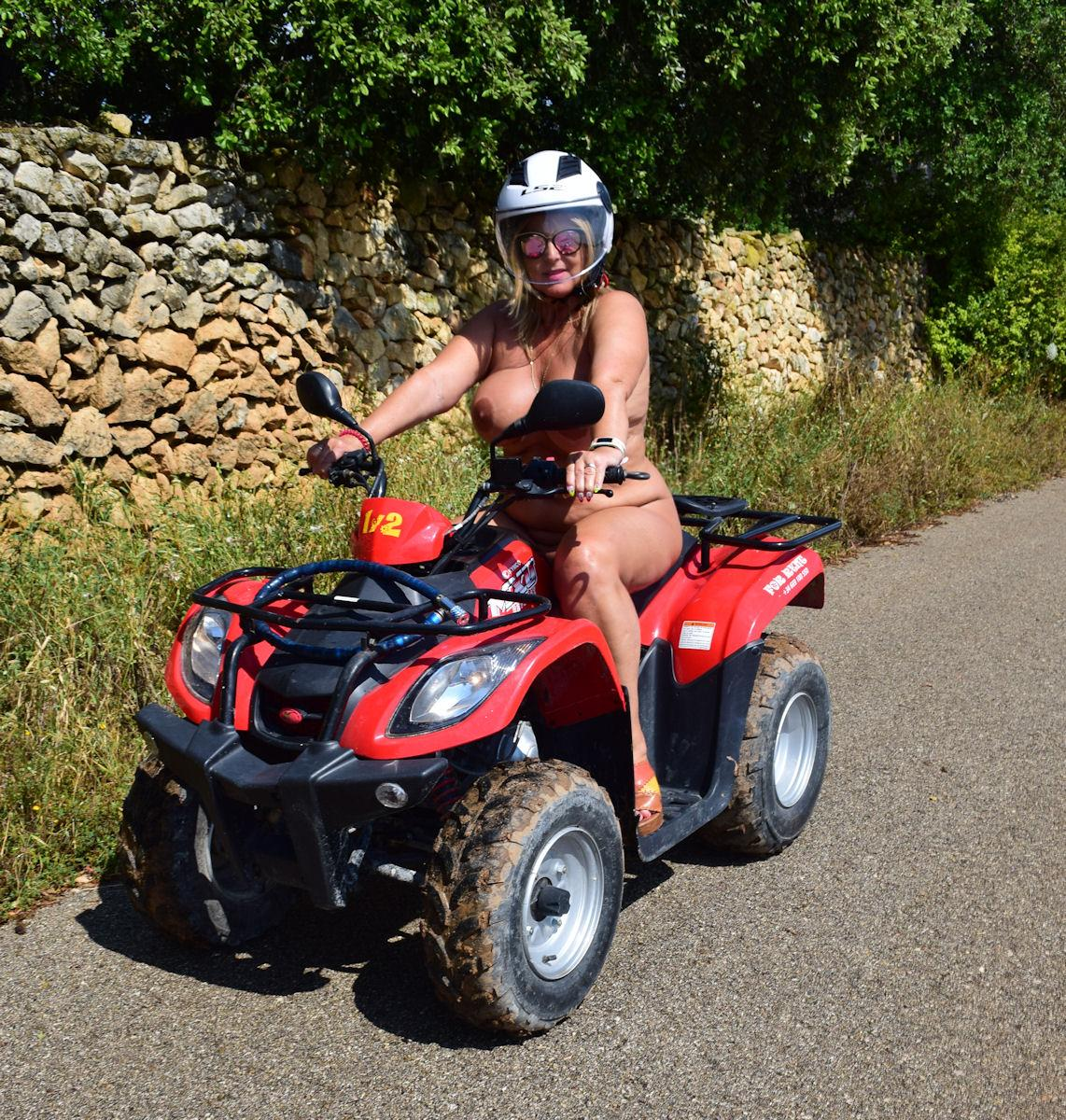 naked quad ride