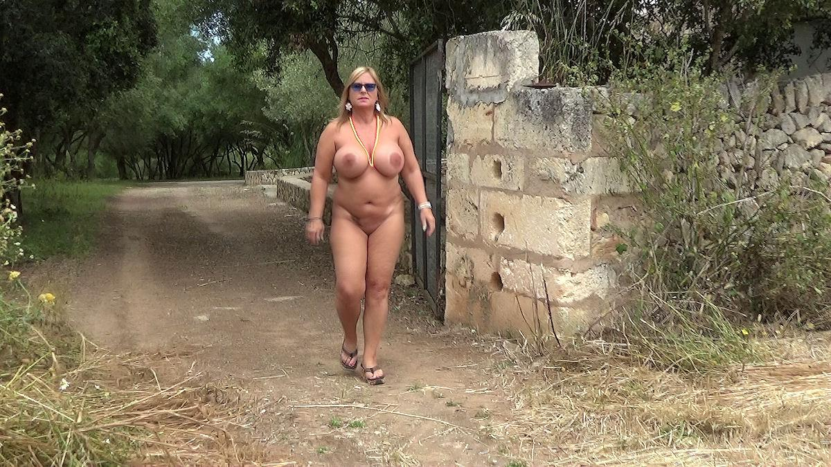 nudist-walk