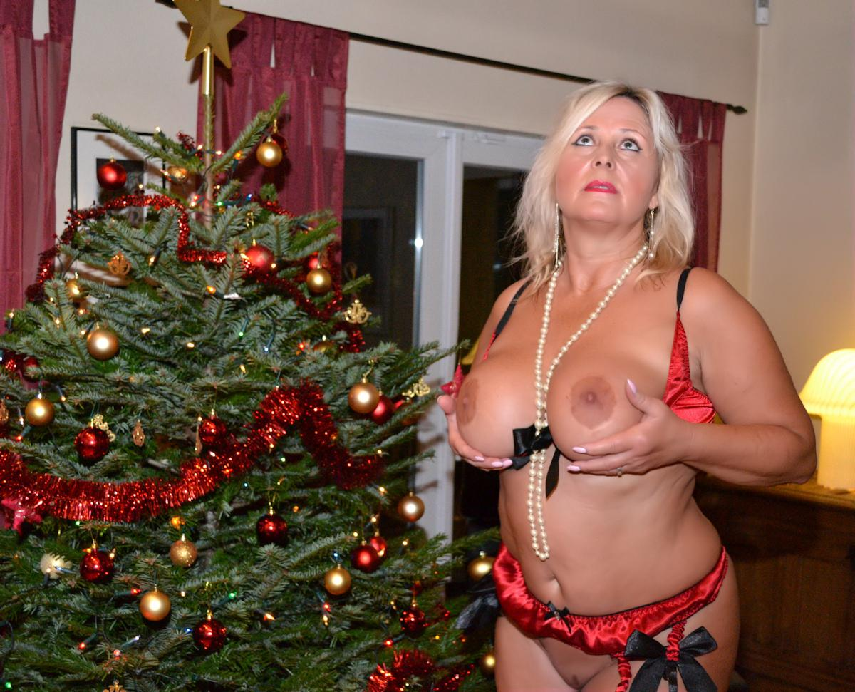 Christmas Tree In Front Of Wife Nude