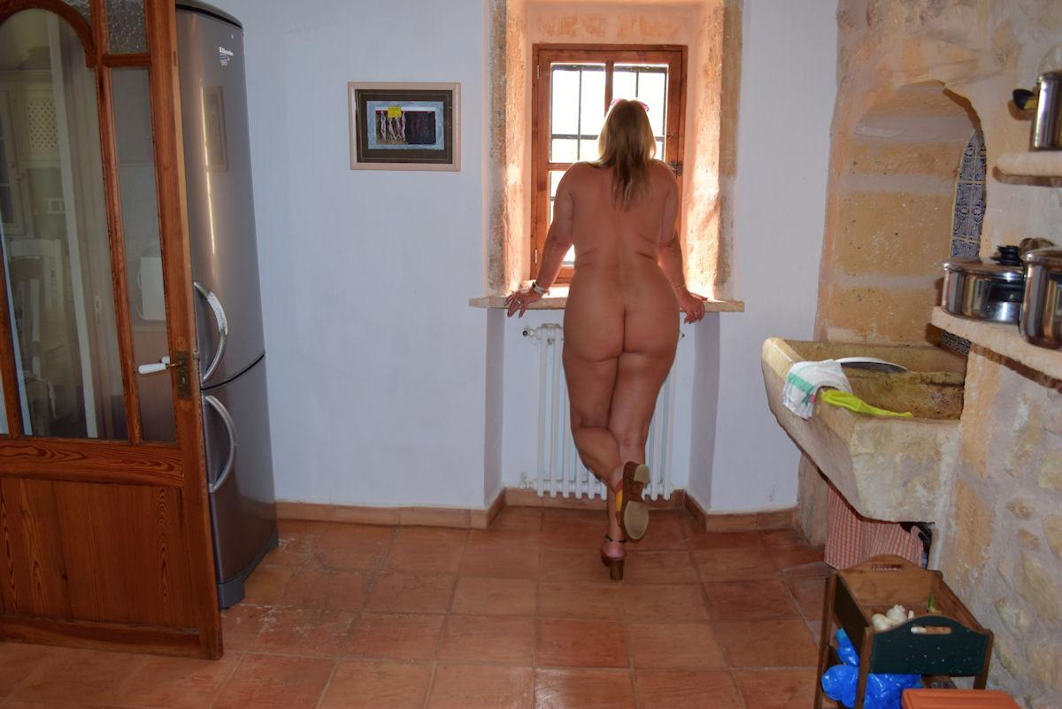 nude at the finca